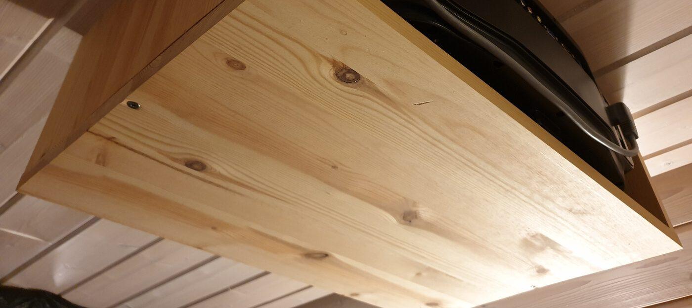 puusta valmistettu tykkiteline